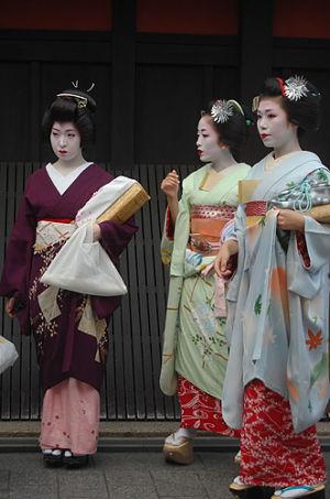 Kimono trang phục truyền thống Nhật Bản